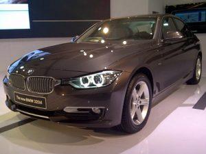 Mobil BMW 320 D