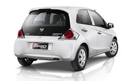 5 Mobil Sedan Paling Irit BBM di Indonesia